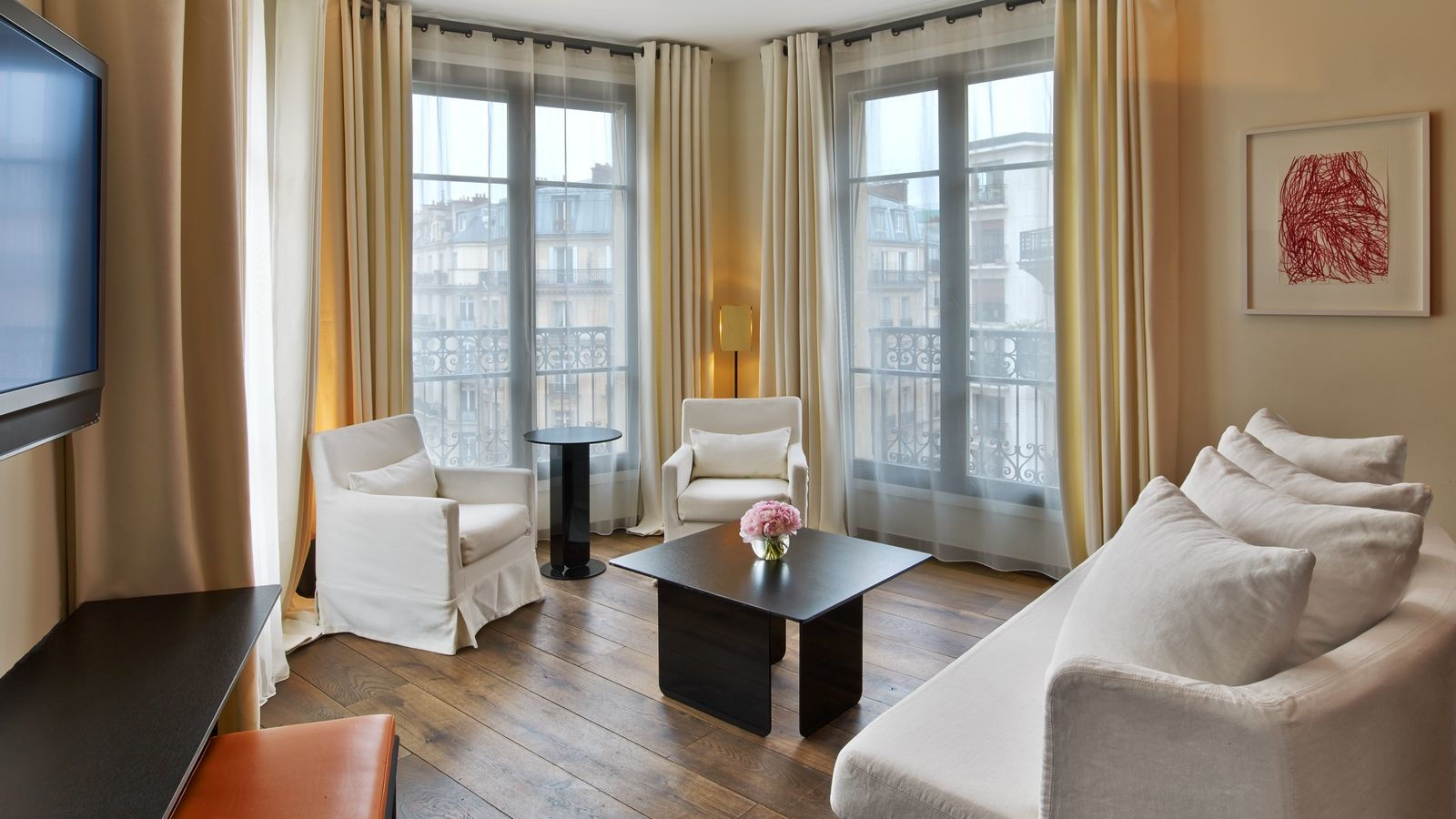 Eiffel View Suite in Le Metropolitan